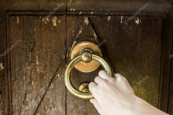 depositphotos_58875291-stock-photo-door-knocking
